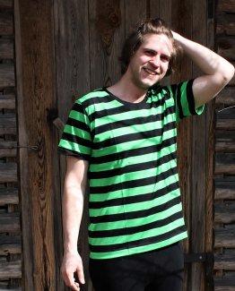 Merineule musta-vihreä raidallinen t-paita